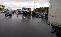 Авария с участием автомобиля МАЗ на кольцевой