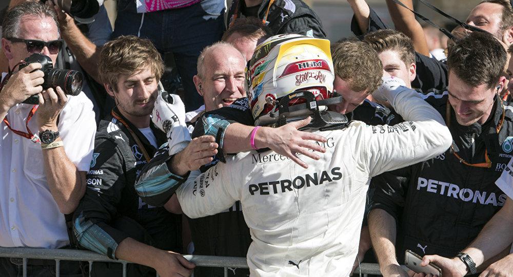 Хэмилтон одержал победу квалификацию Гран-при США, Квят— 12-й