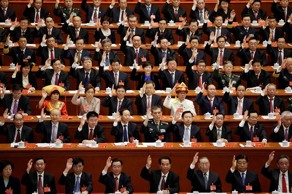 Делегаты 19-го съезда Компартии Китая