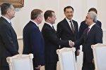 Заседание Евразийского межправительственного совета с президентом Армении Сержем Саргсяном (справа) в Ереване