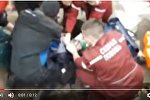 МНС абнародавала відэакадры выратавання дзіцяці, якое танула ў цэнтры Мінска.