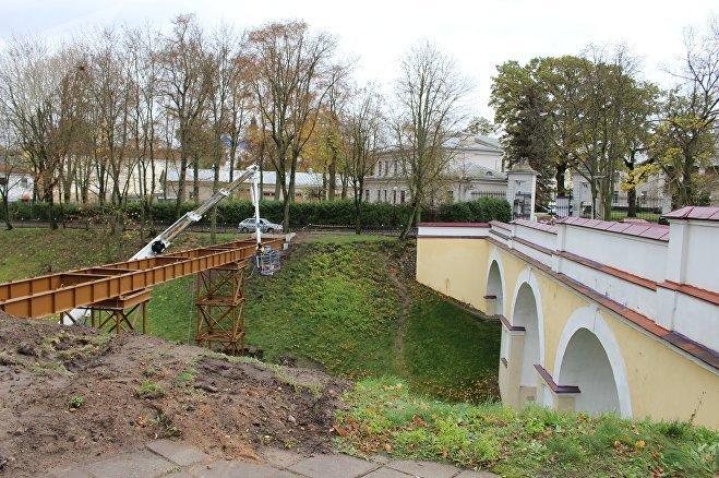 Пешаходны мост амаль гатовы