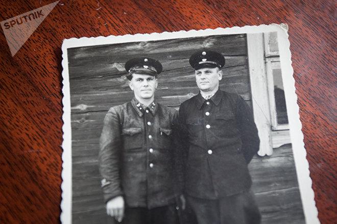 Василий Подолинский (справа) любил лес и жил идеей высадить Город Солнца
