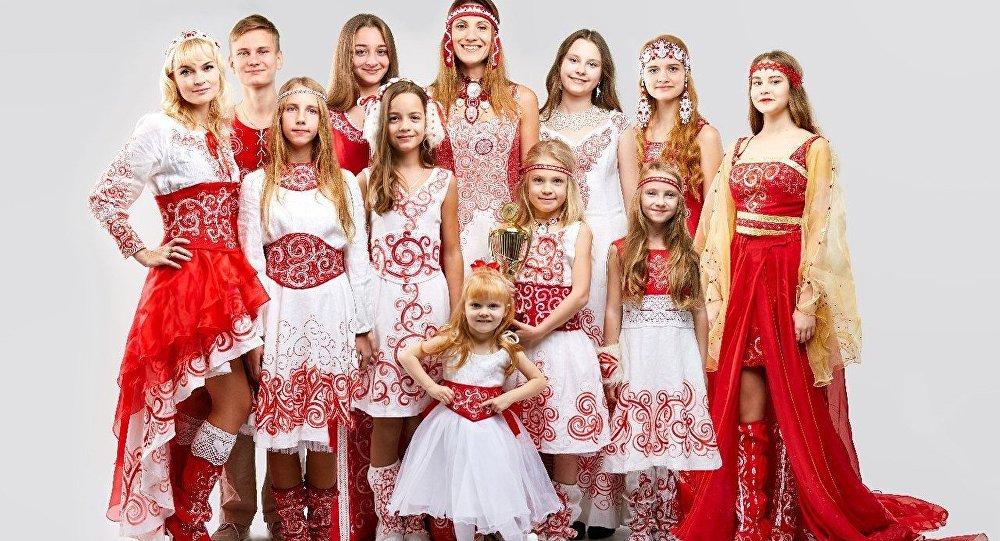 Калекцыя Агняцвет дызайнеркі Алены Паповай-Канойка