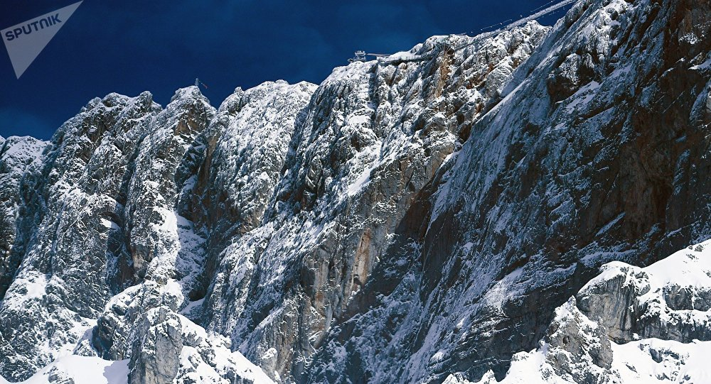 Германский альпинист выжил, проведя 5 дней врасселине скалы вАвстрии