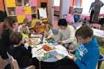 В группе занимаются дети разных возрастов, а с воспитанниками и между собой педагоги говорят только по-немецки