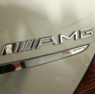Шильдик ателье AMG на машине Mercedes, архивное фото