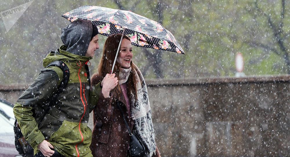 Мокрый снег идождь ожидаются вначале рабочей недели  в Беларуссии