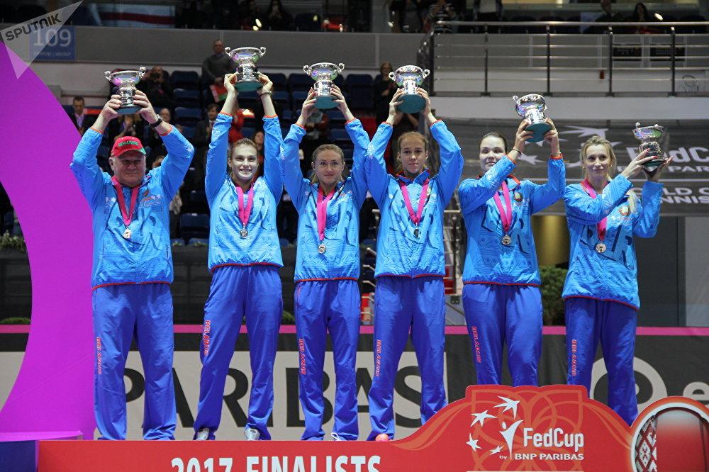 Сборная Беларуси во время церемонии награждения победителей Кубка Федерации