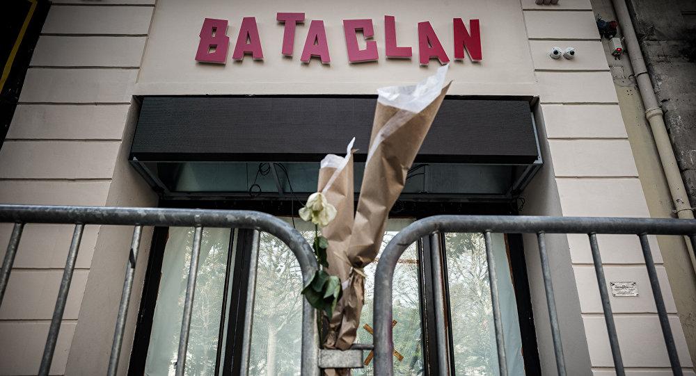 Встолице франции вспоминают жертв страшных терактов 2015 года