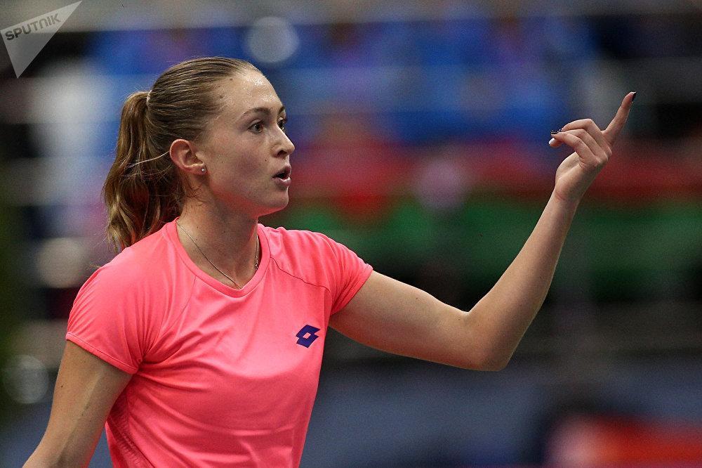 Александра Саснович в одиночной встрече против Коко Вандевеге
