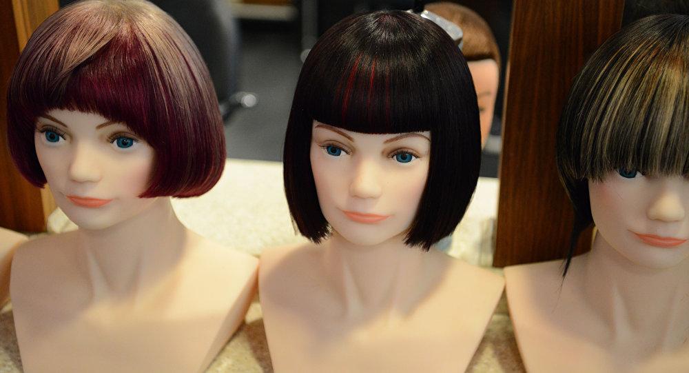 Манекены в парикмахерской
