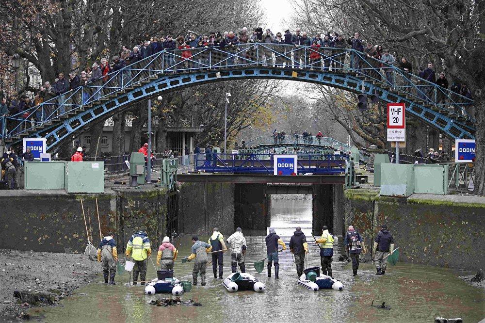 Асушванне канала Сен-Мартэн ў Парыжы