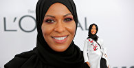 Первая кукла Барби в хиджабе представлена на вручении премии Женщины года в Нью-Йорке, фото с места событий
