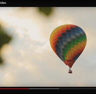 Відэафакт: дзясяткі паветраных шароў праляцелі ў небе над Мінскам
