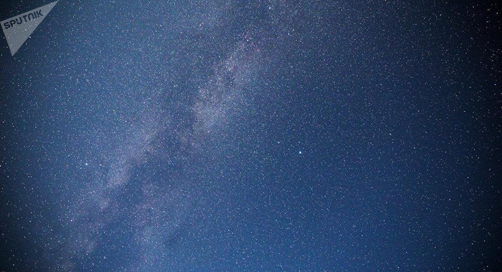 Москвичи смогут наблюдать пик метеорного потока Леониды вночь на18ноября