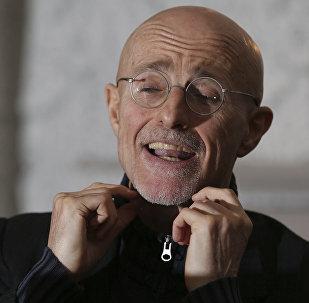 Итальянский хирург Сержио Канаверо