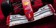 Гоночный болид Ferrari F2001 семикратного чемпиона Формулы-1 Михаэля Шумахера