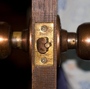 Дверь, архивное фото
