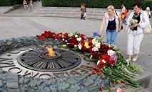 Мемориал Вечный огонь в парке Славы в Киеве