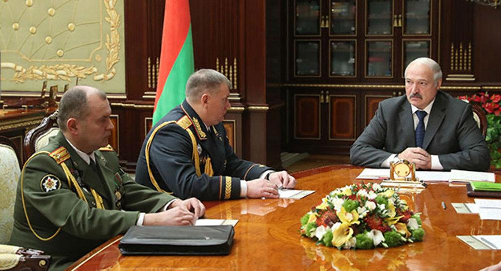 Лукашенко потребовал пресекать попытки дестабилизации ситуации в Белоруссии