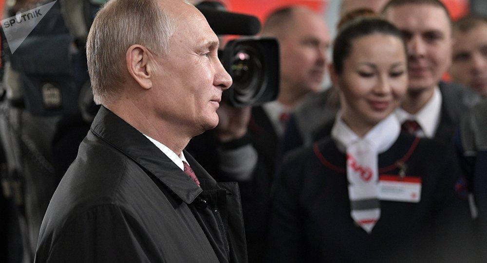 «Спорт, непутать соспиртом»: Путин открыл секрет собственной энергичности